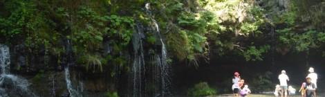 陣馬の滝・静岡県【頼朝も立ち寄った富士山湧水の滝】