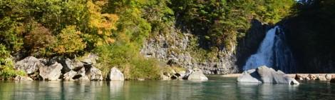 法体の滝・秋田県【鳥海山も眺める絶景滝】