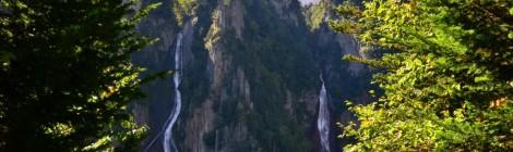 銀河の滝/流星の滝・北海道【双瀑台からひとりじめ】