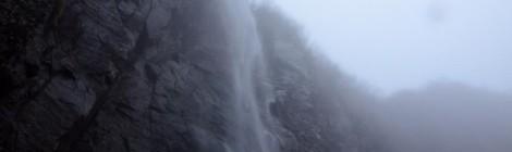 米子大瀑布・長野県【雨雲から舞い降りる天女】