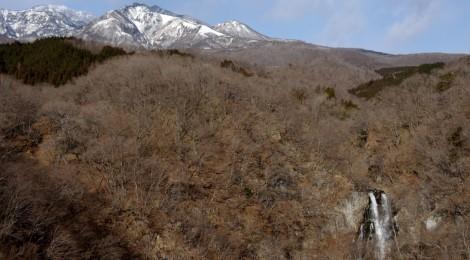 霧降の滝・栃木県【北斎の感じた水のリズム】