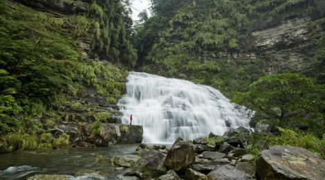 マヤグスクの滝・沖縄県(西表島)【白く輝くヤマネコの城】