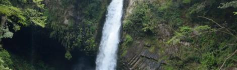浄蓮の滝・静岡県【石川さゆり的、貫禄の演歌滝】