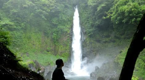 千里の滝・鹿児島県【水煙の芸術、至極のセンジュスポット】