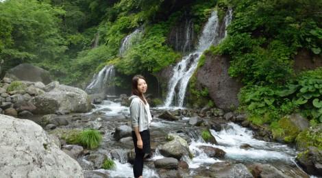 吐竜の滝・山梨県【心身のクールダウンに!夏こそ潜流瀑】
