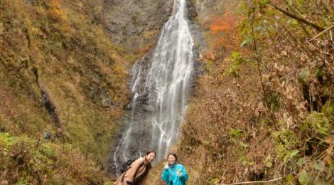 くろくまの滝・青森県【贅沢なアテンドで鰺ヶ沢の名瀑へ】