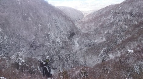 横谷王滝&大滝神社・長野県【冬蓼科のスノーシュー散歩】