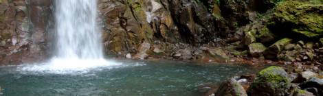 智恵の滝・岩手県【山奥で待つ賢者の滝&秘湯の宿】