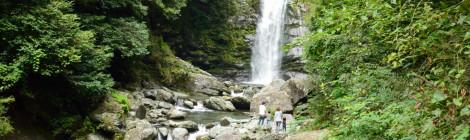銚子の滝・愛媛県【地元で愛される新居浜の隠れ名瀑】