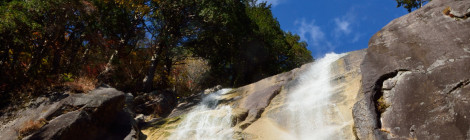 田立の滝・長野県【紅葉ハイキングを満喫!絶壁の天河滝へ】